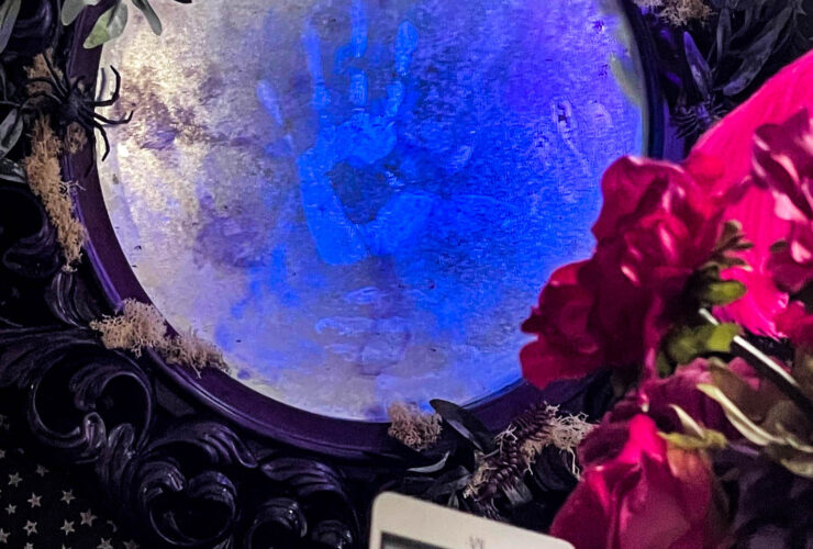 haunted mirror using Mod Podge Black Light