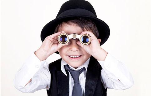 boy-binoculars