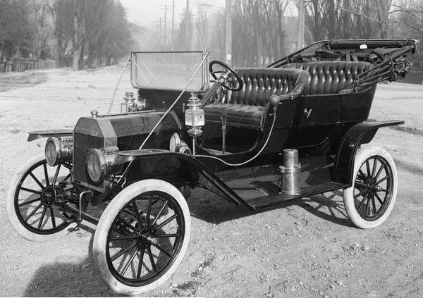 Henry Ford's Model T (1908)