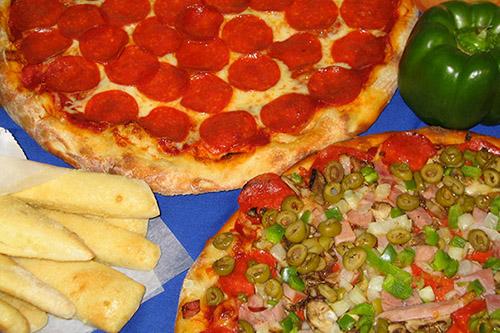 Pizza and breadsticks in Manistique, Michigan