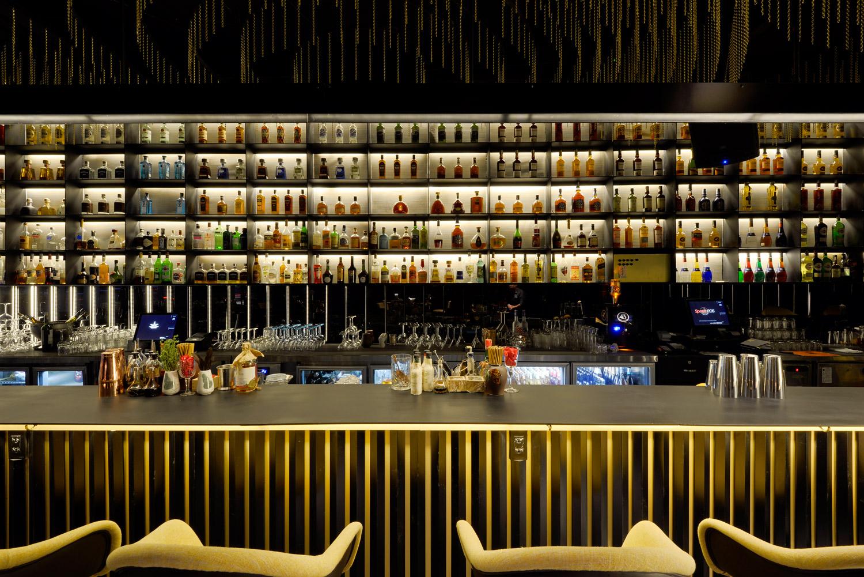 Blanchy's Lounge, interior, night club, xolve branding, night light