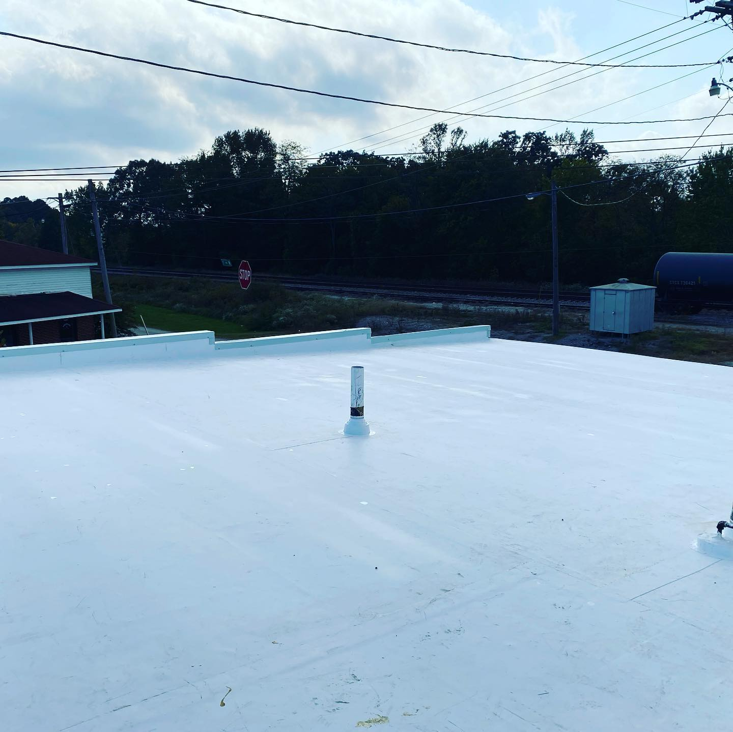 Long view photo of TPO new roof at Ardmore, AL