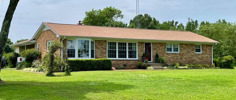 Lawrenceburg Home with a new Shakewood GAF shingle