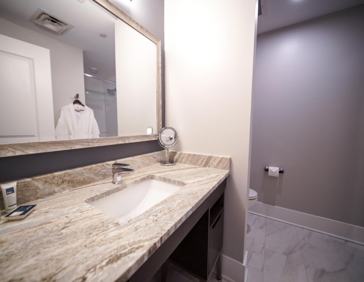 Comfort King Bathroom