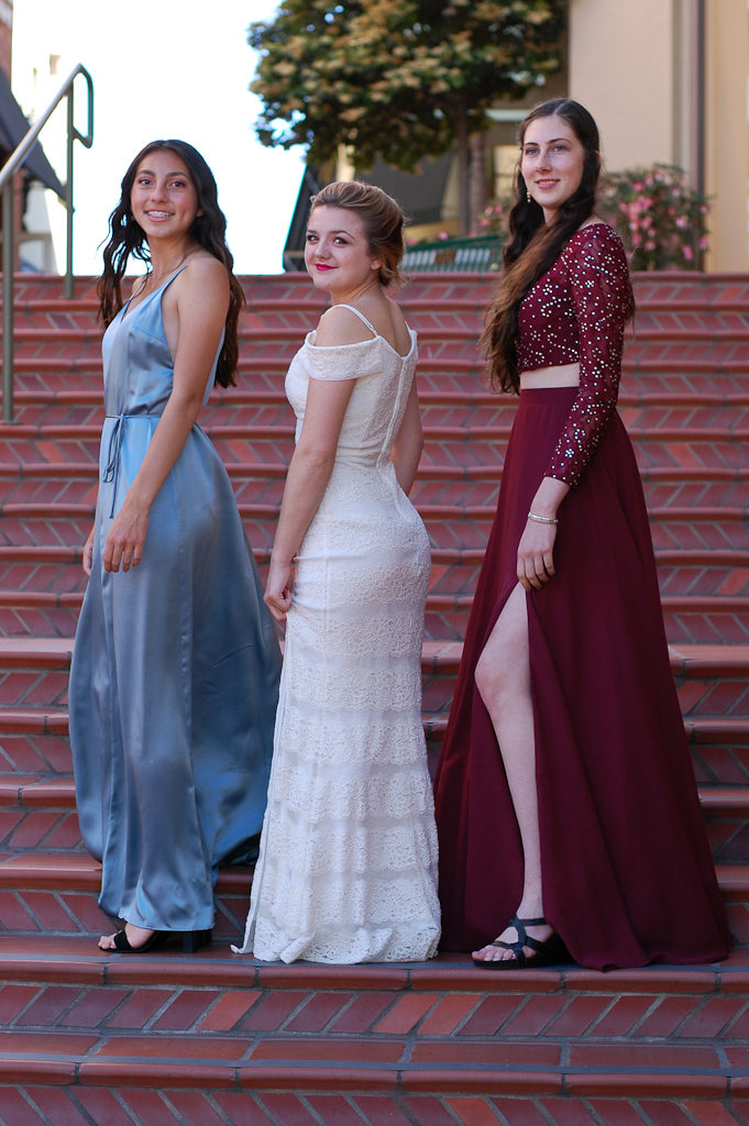Prom side