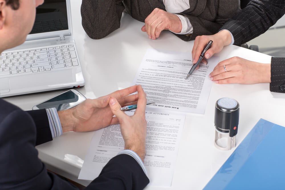 business contract discussion