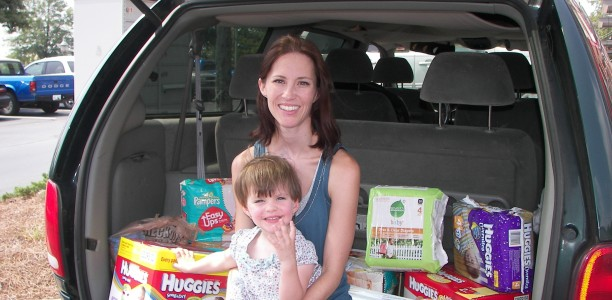 Sunday Spotlight: Christina and Seth Thompson Taught their 3-year-old Tot how to Give for the Greater Good