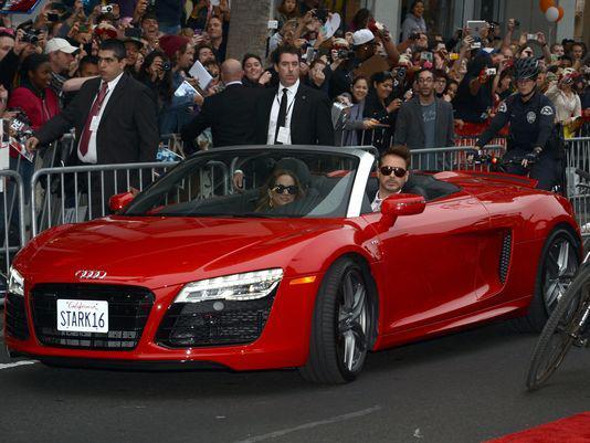 Rob in car