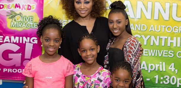 [PHOTOS] Cynthia Bailey Awards 'Kids Dreaming Big' Scholarship With @FredsInc