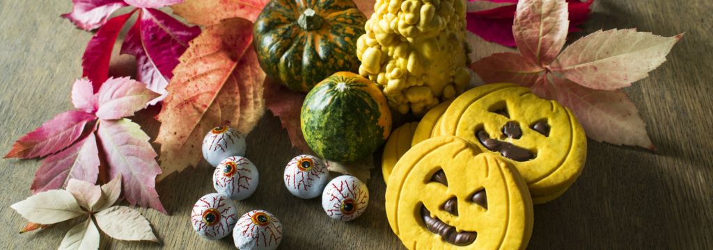 Take a look at Foster Dental Care's new blog post for some spooky snack ideas that your teeth will love!