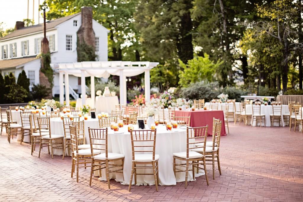 Elegan garden reception at The Hazlehrust House