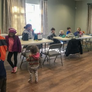 The kids enjoy lunch with each other at Learn Together Lowcountry homeschool co-op in Bluffton SC