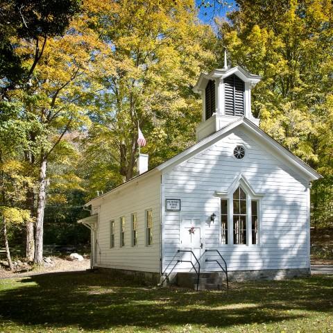 Plumtrees Schoolhouse Bethel