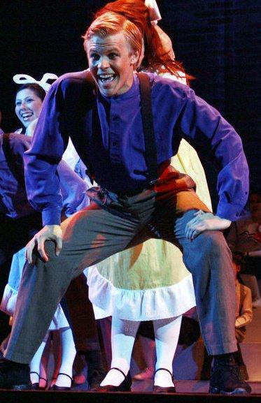 Cooper Hallstrom. 2010. Unidentified Show