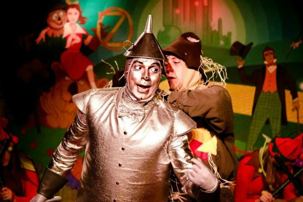 """Terry Gadaire as the Tin Man and Cord Nash as the Scarecrow in """"The Wizard of Oz,"""" 2012, Don Bluth Front Row Theatre. (Photo by Jamie Harper)"""
