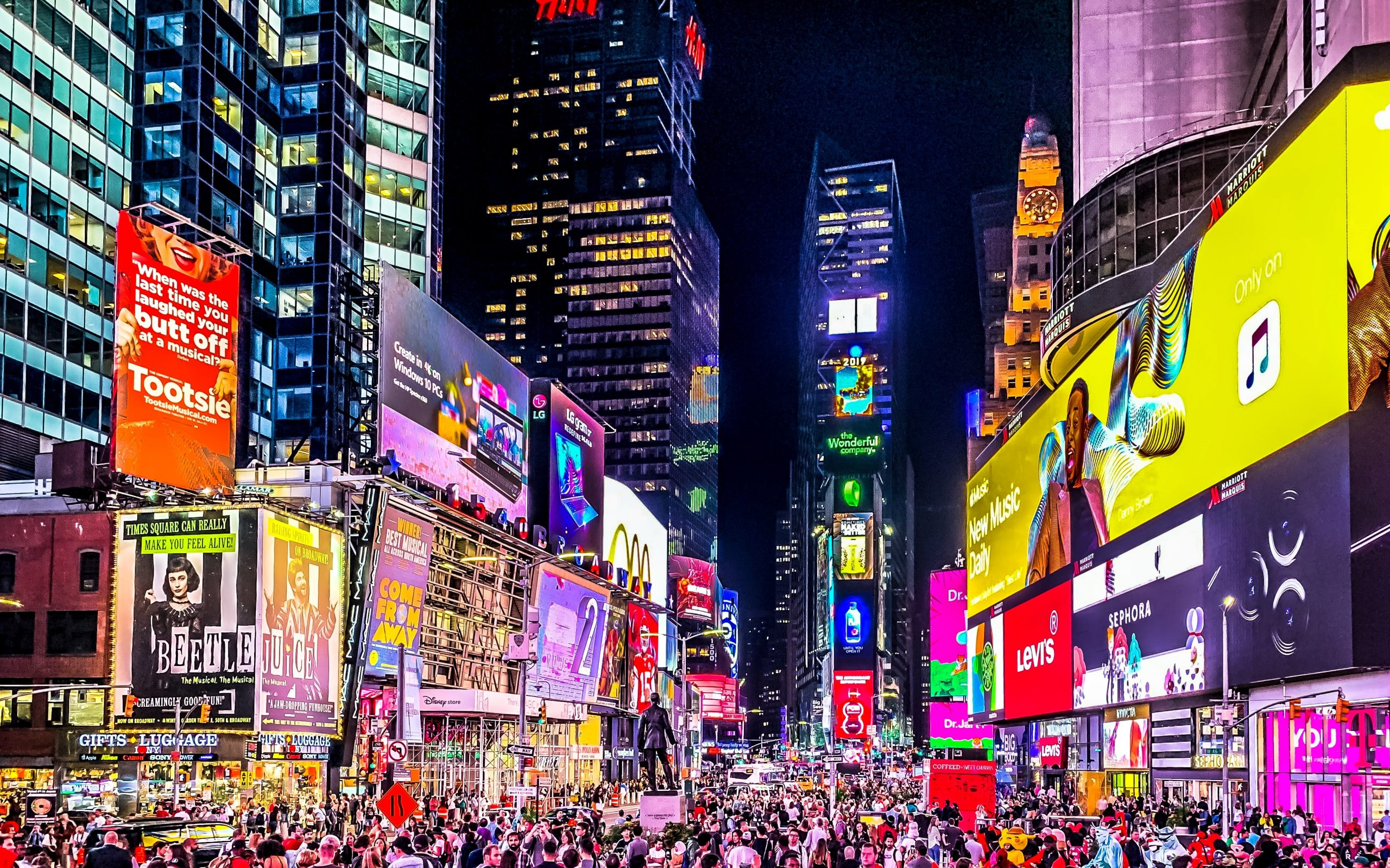 What is Digital Out-of-home (DOOH) advertising?