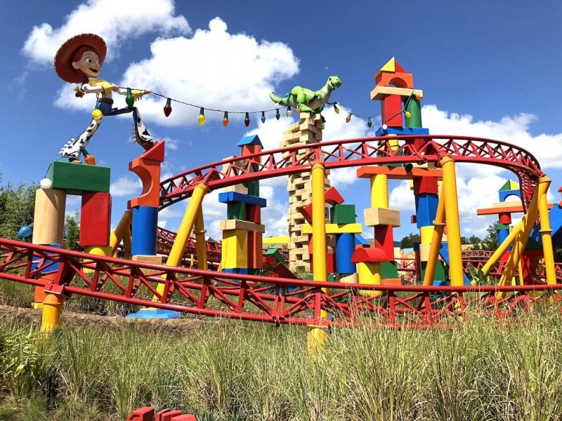 20 Free Things and Experiences at Walt Disney World   How to save on a Disney World trip   Disney World the cheap way   #disney #disneytravel #familytravel #freedisney #disneyworld #waltdisneyworld