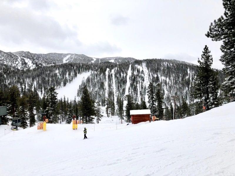 Family Skiing at Heavenly in Lake Tahoe   Ski Lake Tahoe   Ski Heavenly   #laketahoe #ski #familytravel #familyski #bestski #bestskiintheUS #vailresort #USski #skitrip #skidestination #Heavenly #heavenlylaketahoe
