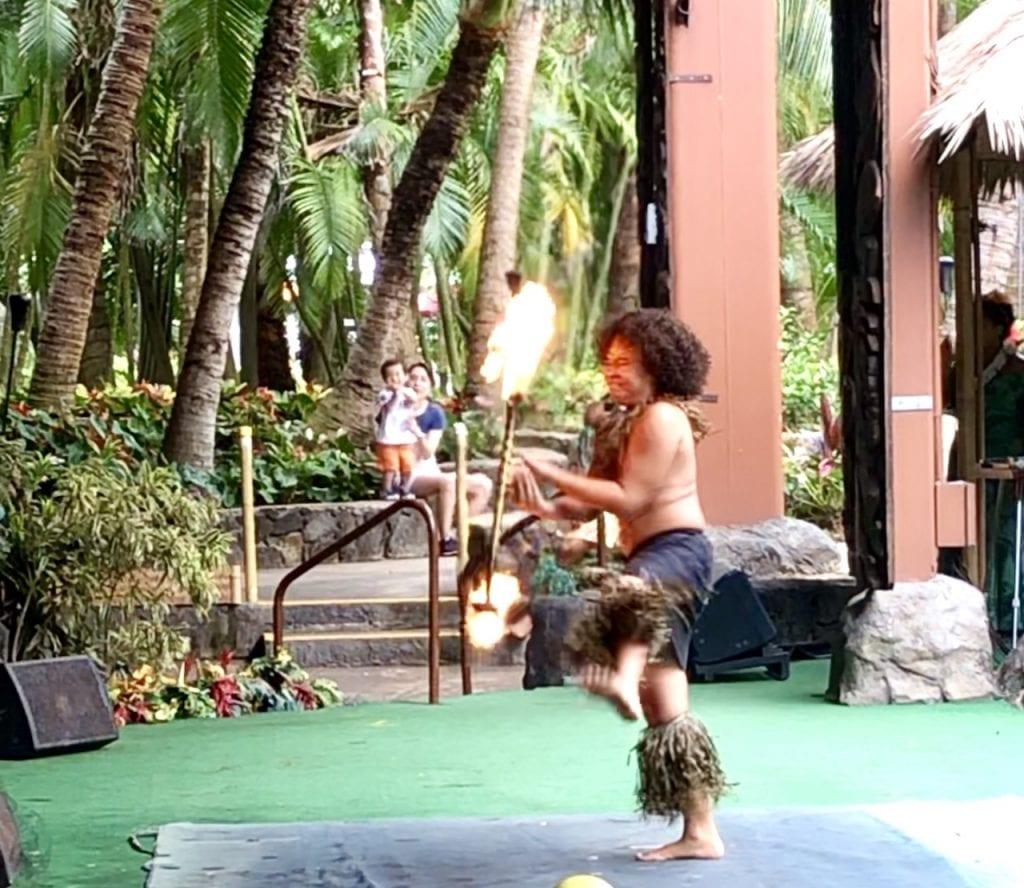 The Polynesian Cultural Center on Oahu, Hawaii | Worldschooling in Hawaii | Polynesian Culture In Hawaii | Family Travel | Hawaii with kids | Polynesian Cultural Center with Kids | Oahu with kids | #worldschooling #familytravel #polynesia #polynesianculturalcenter #oahu #oahuwithkids