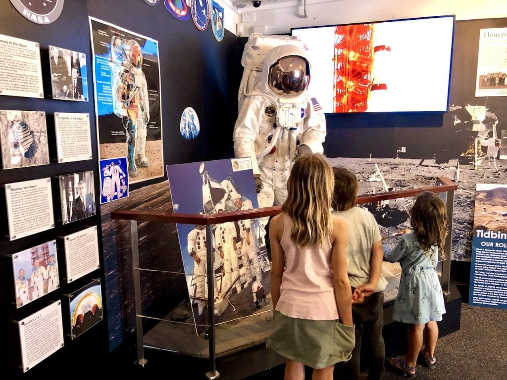 What To Do In Canberra Kith Kids   Free things for families in Canberra, Australia   7 free experiences in Canberra with kids   Australian Mint   Australian War Memorial   Canberra Museums   #canberra #canberraaustralia #canberrawithkids #australiawithkids #australiatravel #visitaustralia #familytravel