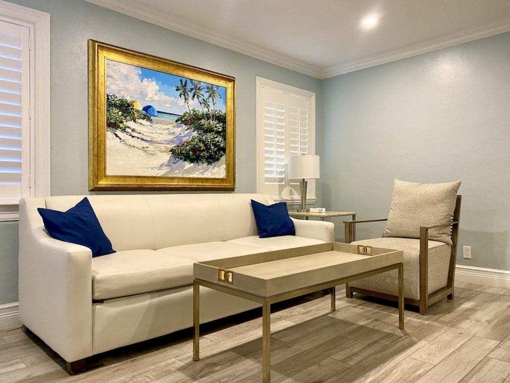 Crane's Beach House one bedroom suite open floorplan living room