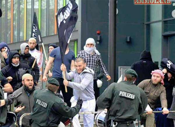 ISIS-Flag-Among-Refugees-in-Germany-Fighting-the-Police