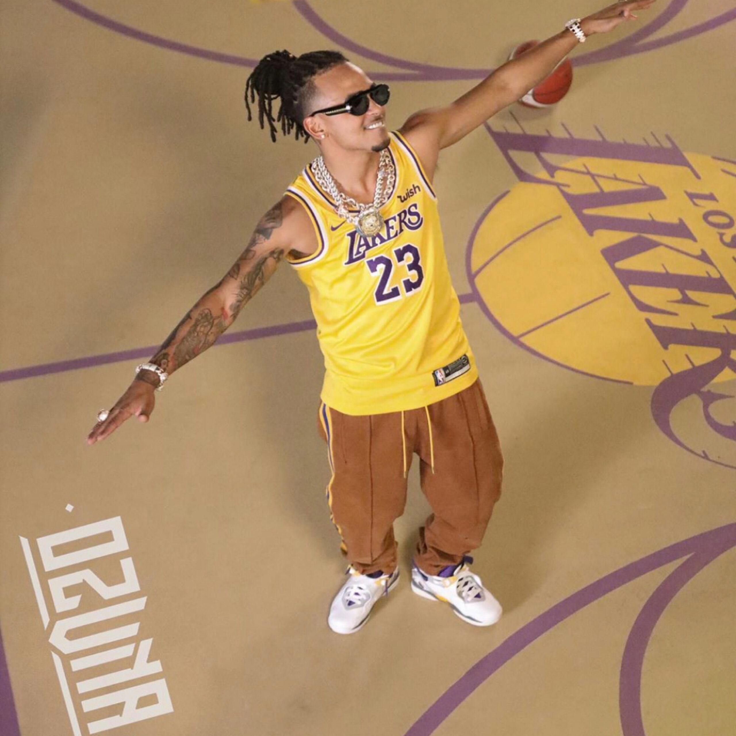 Ozuna es el 23 de Los L.A Lakers en nuevo video