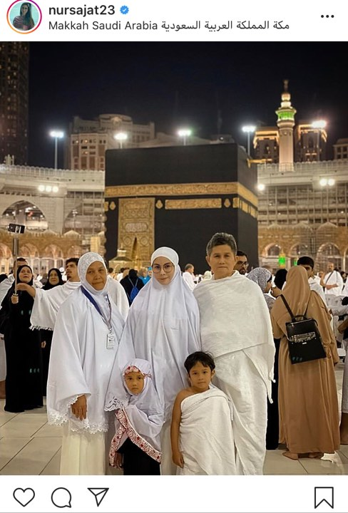 Netizen 'Sekolahkan' Sajat Sebab Berhijab di Mekah!