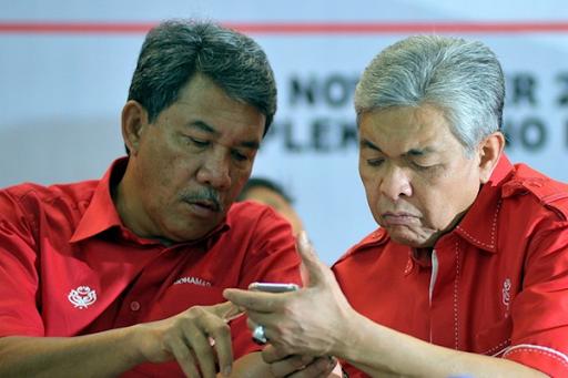 Drama UMNO: Zahid Hamidi vs Tok Mat