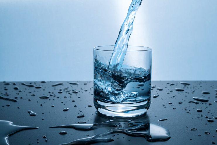 Berapa Banyak Air Harus Diminum Sehari?