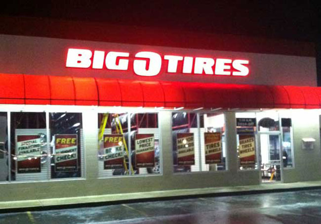 Big O Tires Lit Sign