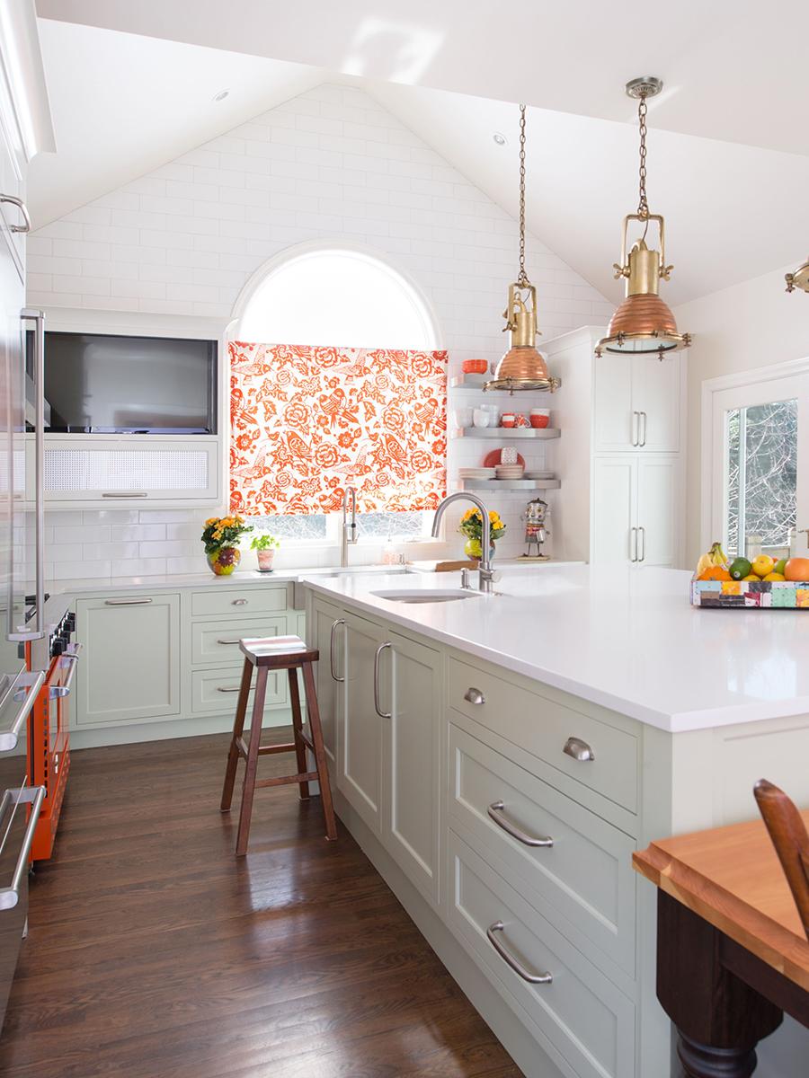 Kitchen Studio: KC - Leawood Colorful Transitional Kitchen
