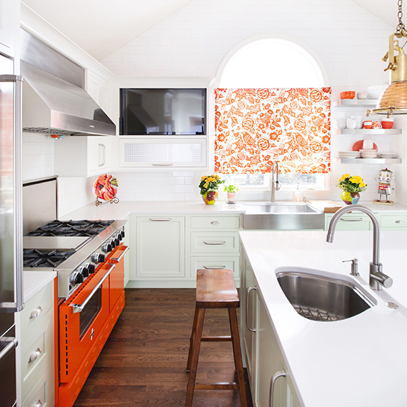 Kitchen Studio: KC - Leawood Colorful Transitional Kitchen