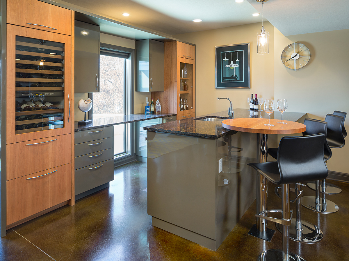 Kitchen Studio:KC Contemporary Home Bar