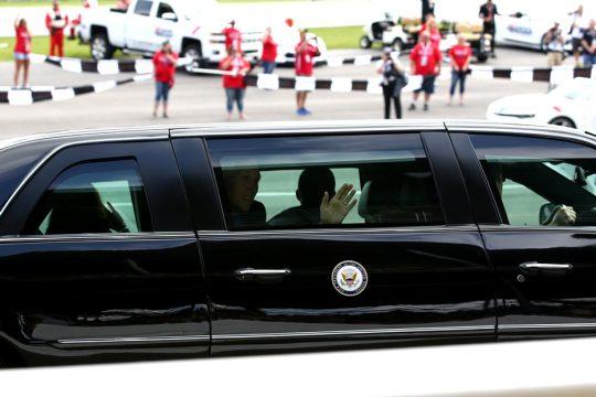 O vice-presidente Mike Pence esteve presente as 500 Milhas de Indianapolis com a sua fam?lia. Foto: B Kelley - Indycar