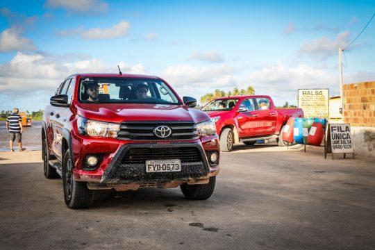 Os veículos com tração 4x4 são ideais para visitar a região. Foto: Rafael Munhoz e W Benedetti