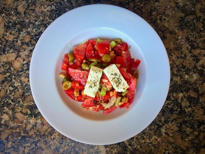 xoriatiki salata 2