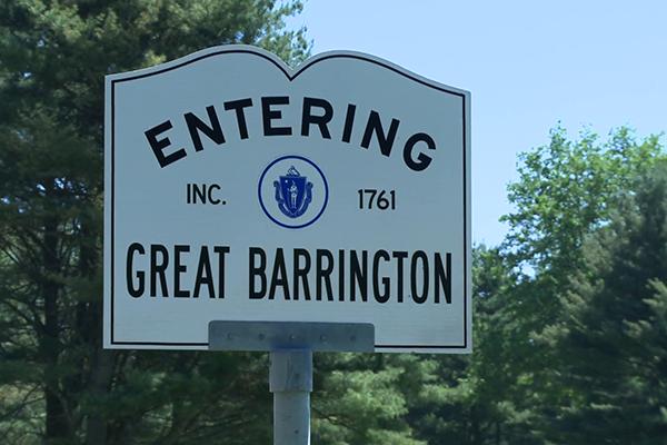 entering-great-barrington-2-of-2_41zjjoqm__F0000