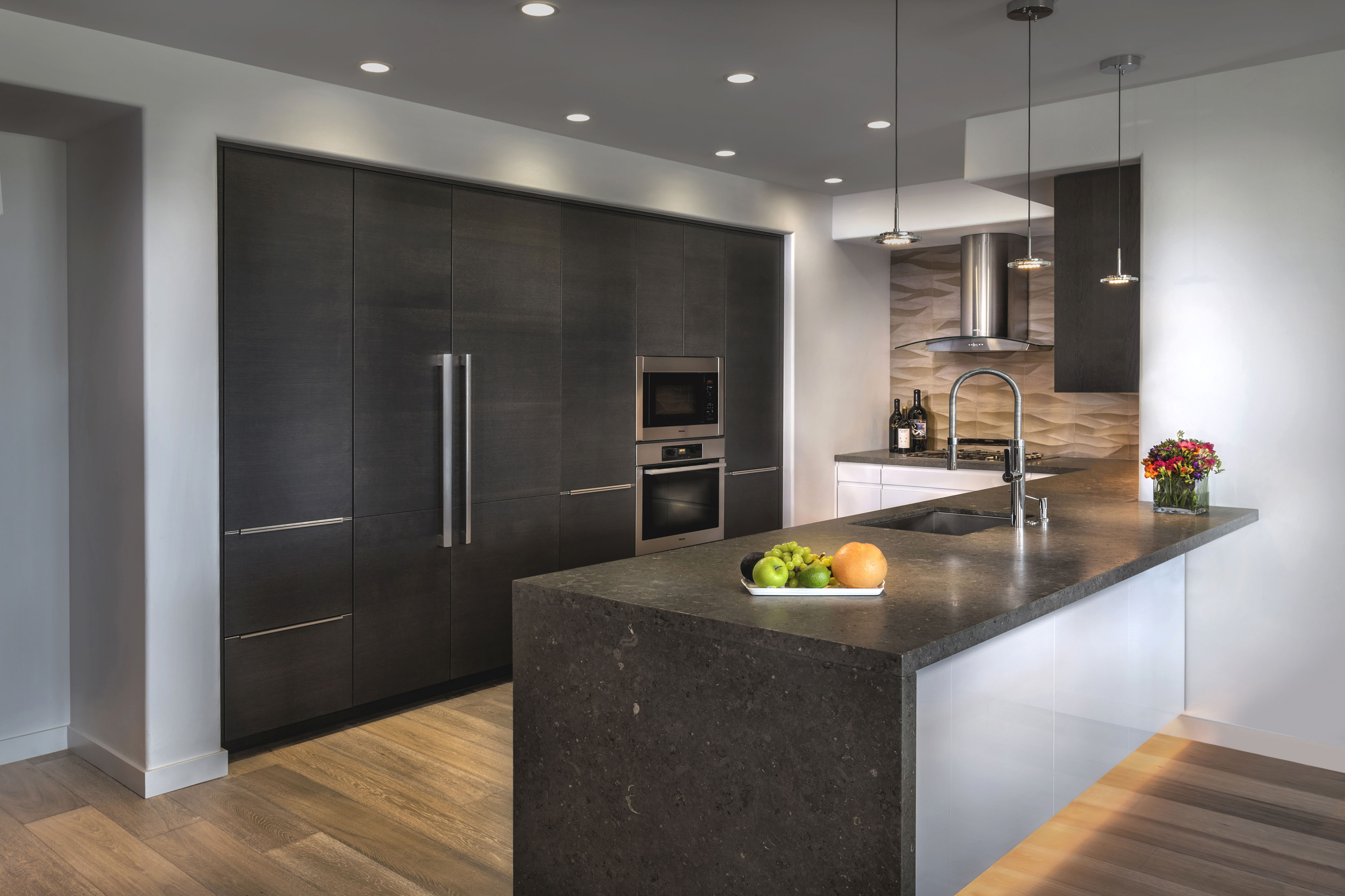 rational high gloss lacquer and dark oak cabinetry