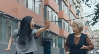 """Lulu Wang's """"The Farewell"""" May Be Culturally Specific in Its Detail, But It's Universal in Its Impact"""