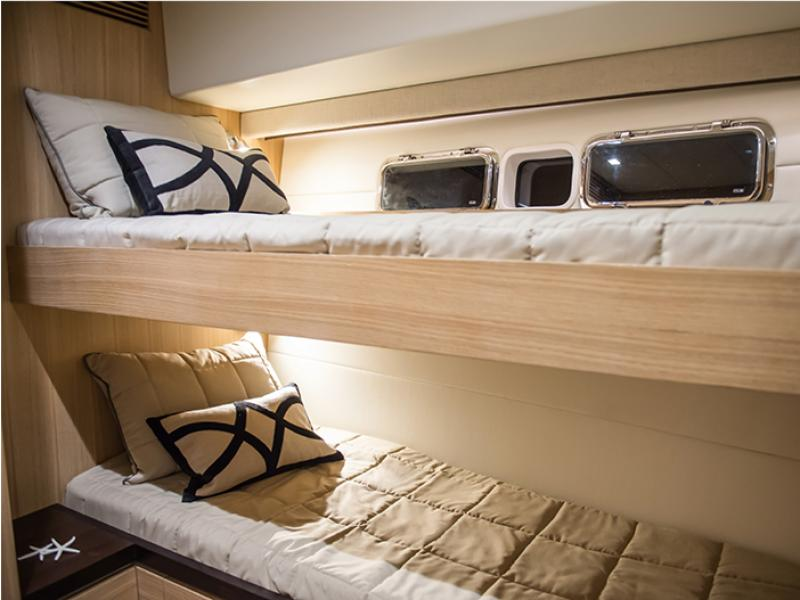 6000 Coupe Bunks