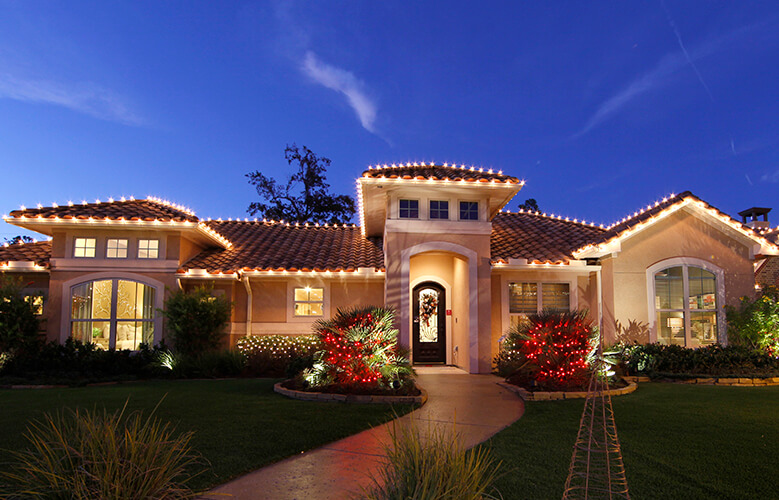 HOW A CONTROL4 SMART HOME HELPS SPREAD HOLIDAY CHEER