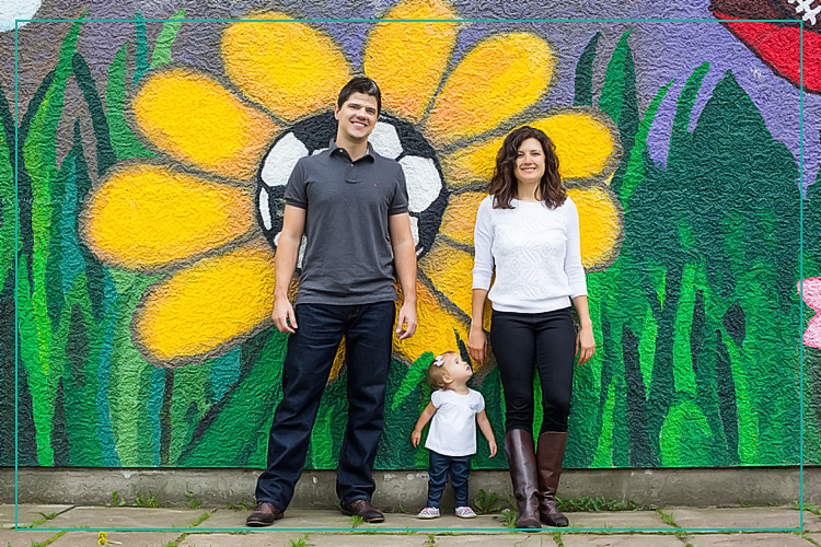 Family shoot - painted wall_website