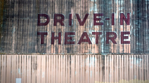 Texas movie theater brings back drive-in
