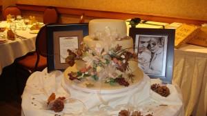 Fall Themed Wedding Cake | urbnspice.com