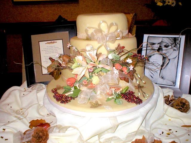 Wedding Cake: Autumn Theme | urbnspice.com
