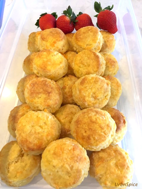 Cheese Biscuits ready for giving | urbnspice.com