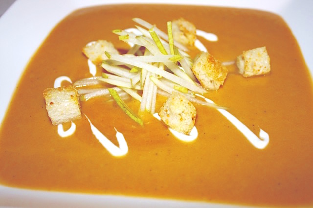 Roasted Butternut Squash with Caramelized Pear Soup | urbnspice.com