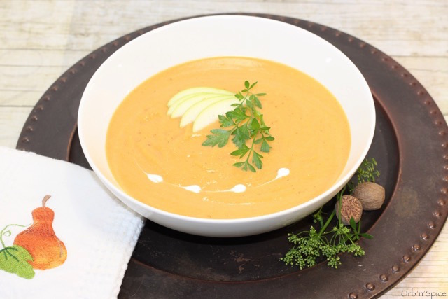 Roasted Butternut Squash and Caramelized Pear Soup | urbnspice.com