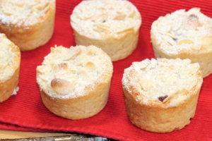 Individual Raspberry Cream Cheese Coffeecakes   urbnspice.com